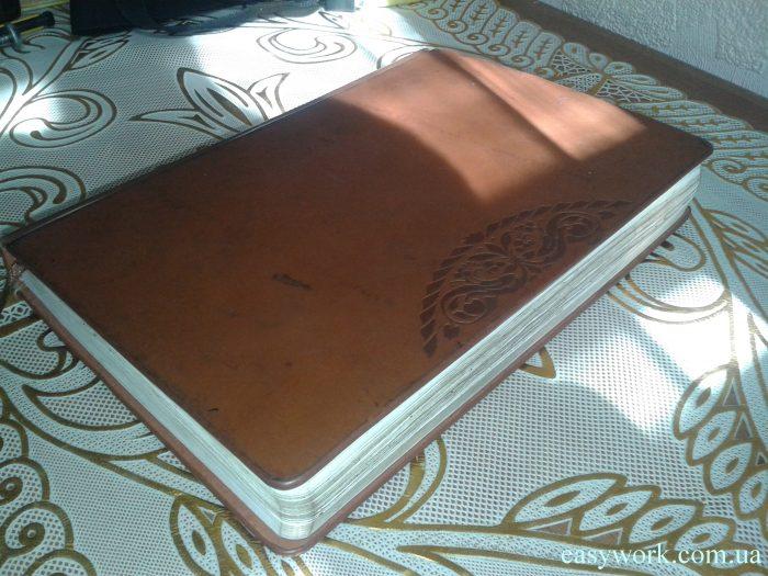 Нейтральный коричневый цвет блокнота