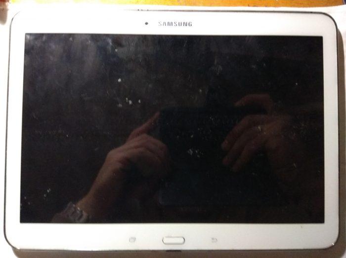 SAMSUNG SM-T530 Galaxy Tab 4 10.1 (лицевая сторона)