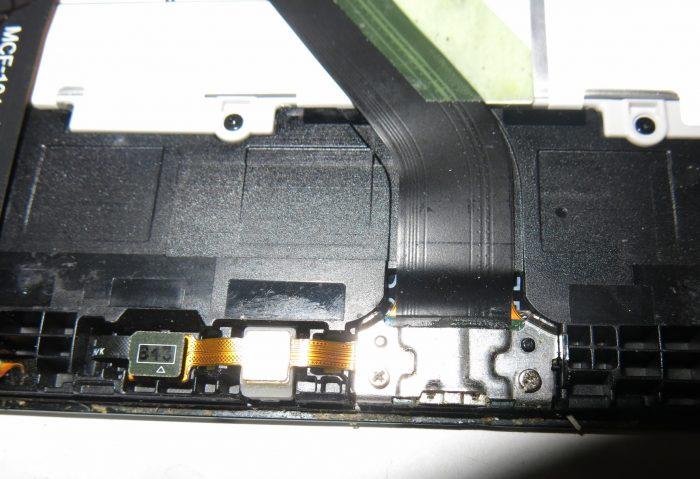 Разъем microUSB под металлическим креплением