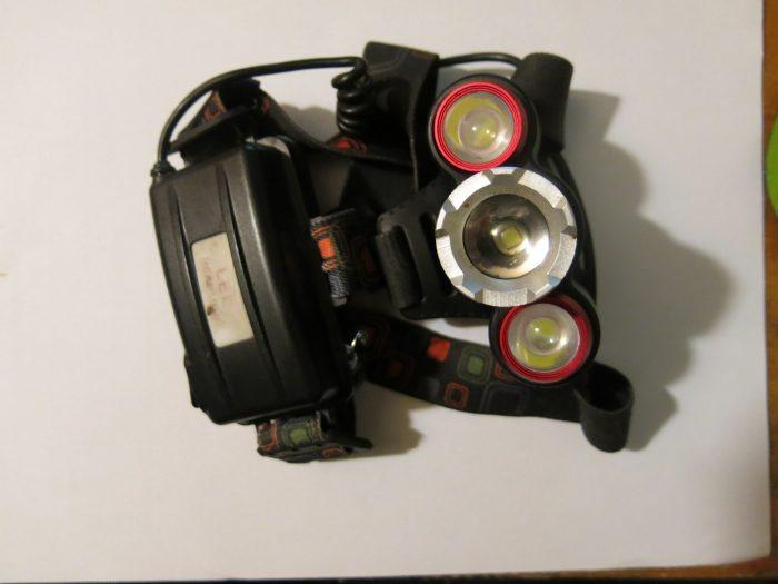 Внешний вид фонаря Boruit RJ 3000 (фото 2)