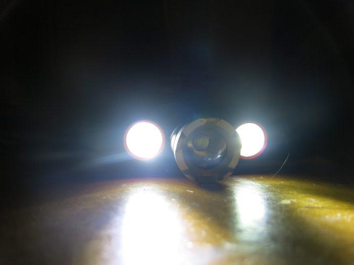Боковые светодиоды фонаря Boruit RJ 3000