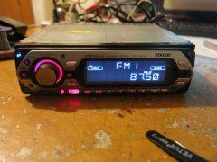Ремонт магнитолы Sony CDX-GT300S (включается и тухнет)