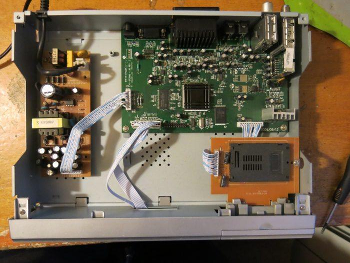 Внутреннее устройство тюнера OPENBOX F-300 FTA