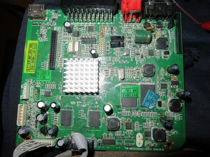 Замена высохших конденсаторов на центральной плате (Тюнер AMIKO SHD-8900)