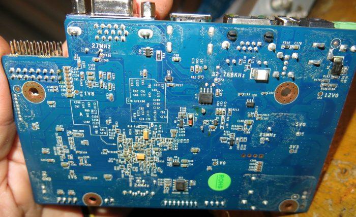 Плата видеорегисторатора TVT TD-2304SS-C с обратной стороны