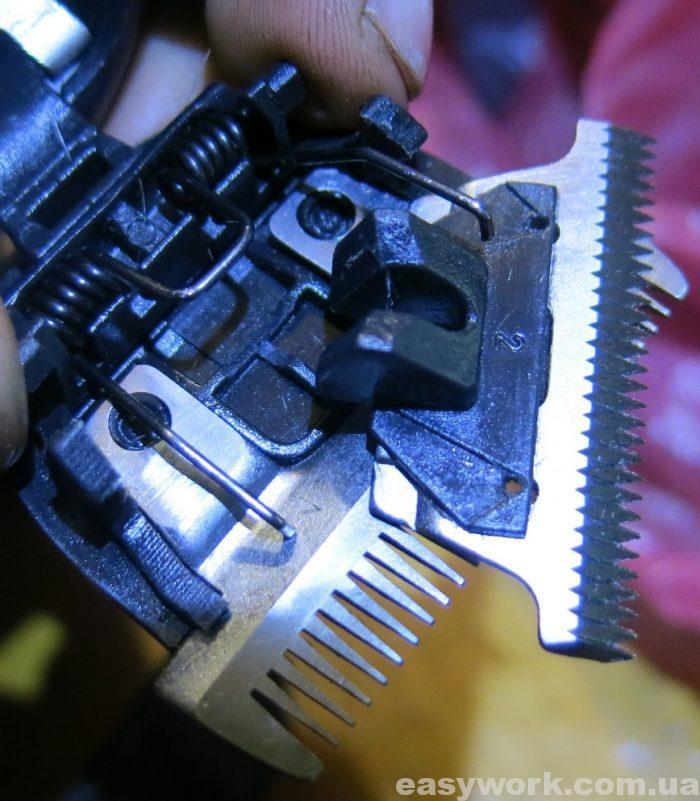 Верхний нож должен быть установлен вот так (фото 2)