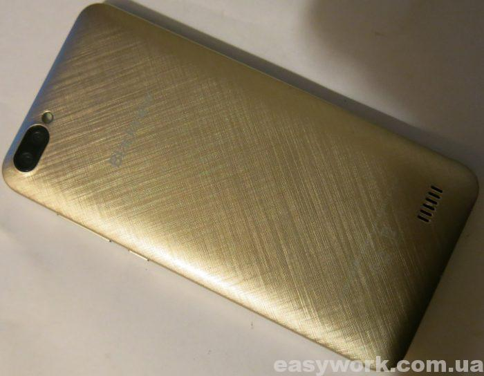 Внешний вид телефона Blackview A7 (фото 2)