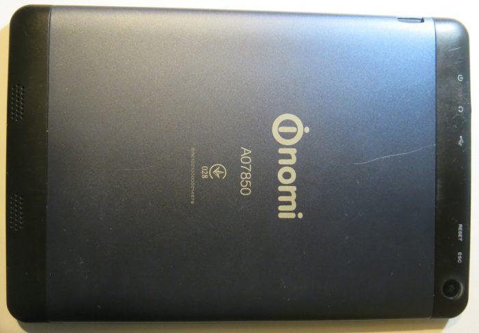 Внешний вид планшета Nomi A07850 со стороны задней крышки