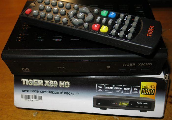 Спутниковый тюнер Tiger X90 HD