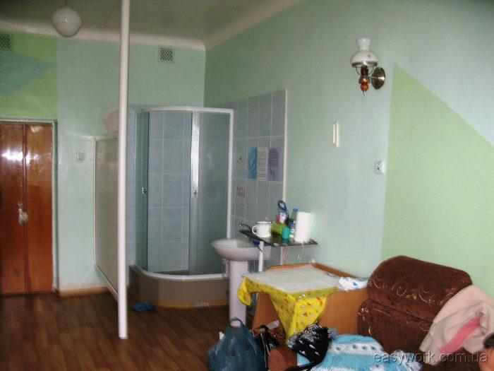 Послеродовая палата в роддоме ГБ №9 в Донецке