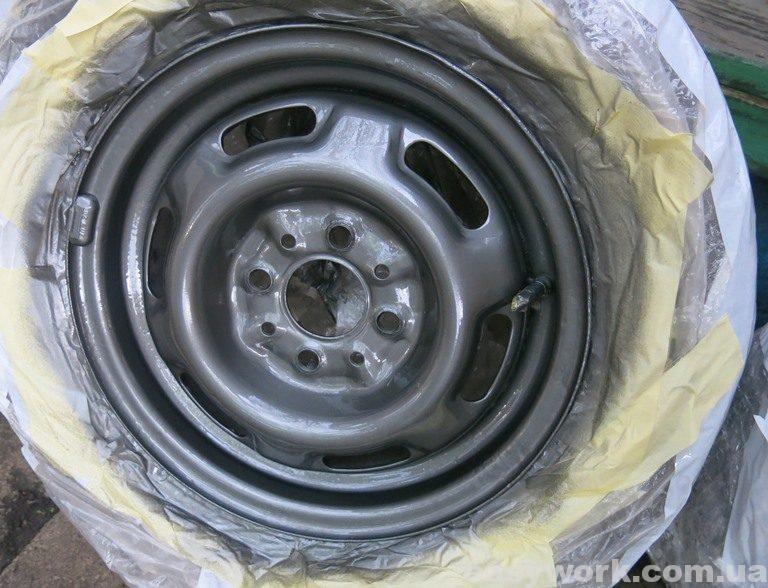 Автомобильный диск после покраски