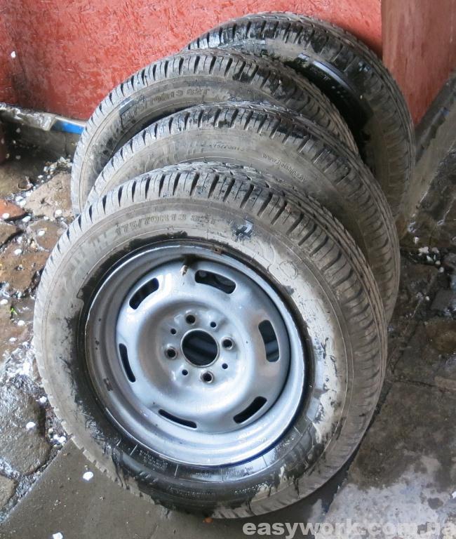 Помытые автомобильные диски