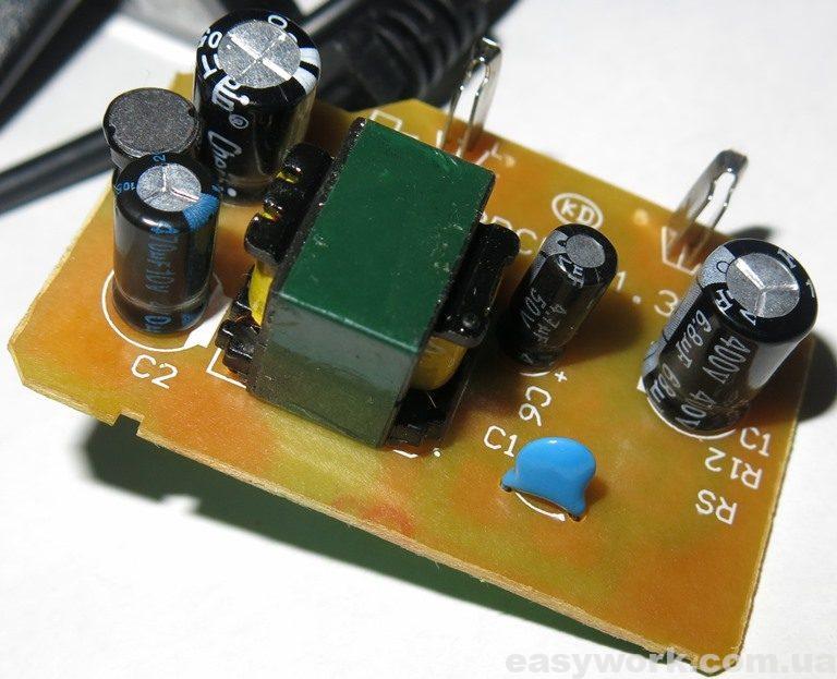 Замененный конденсатор на плате блока питания