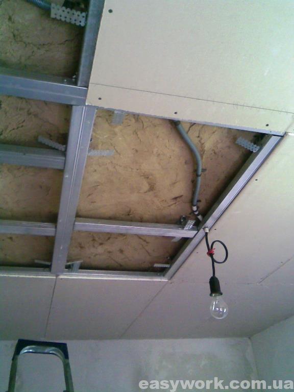 Монтаж гипсокартона на потолок в кухне (фото 4)