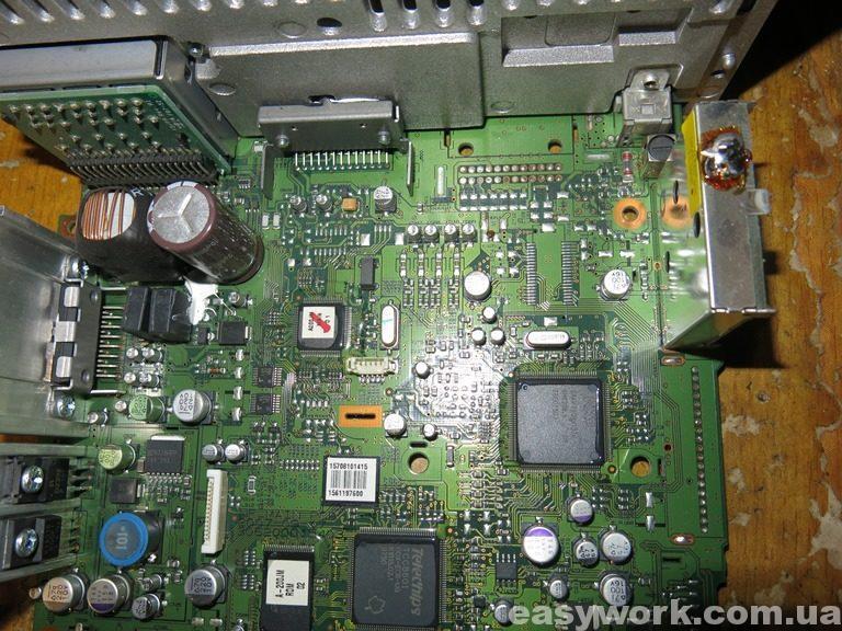 Внутреннее устройство магнитолы A-200JME Hyundai Tucson