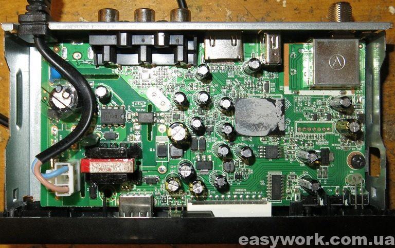Внутреннее устройство ресивера TIGER F1 HD