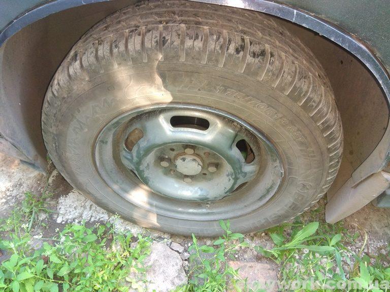 Выравненное колесо на машине