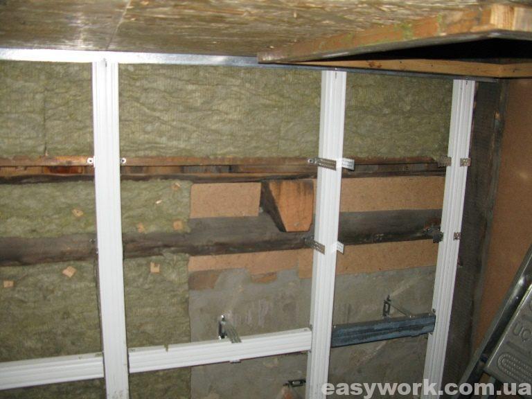 Утепление стены на лестничной площадке (фото 2)