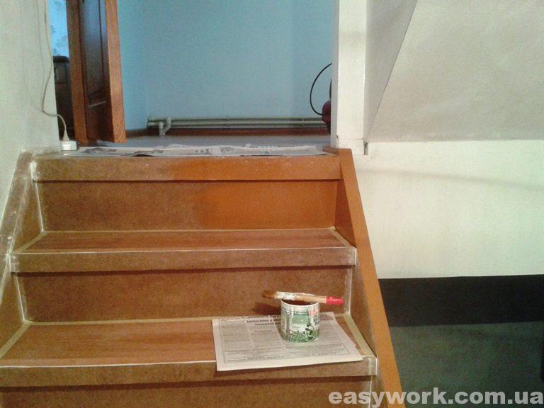 Покраска лестницы эмалью