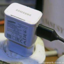 Осмотр зарядного устройства SAMSUNG EP-TA20EWE (копия)