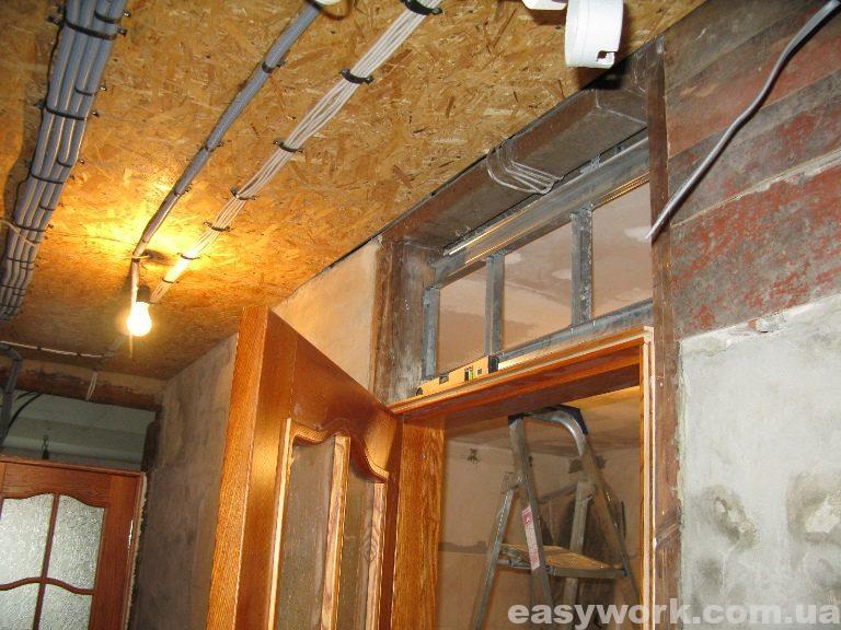 Установленные деревянные двери из ясеня (фото 2)