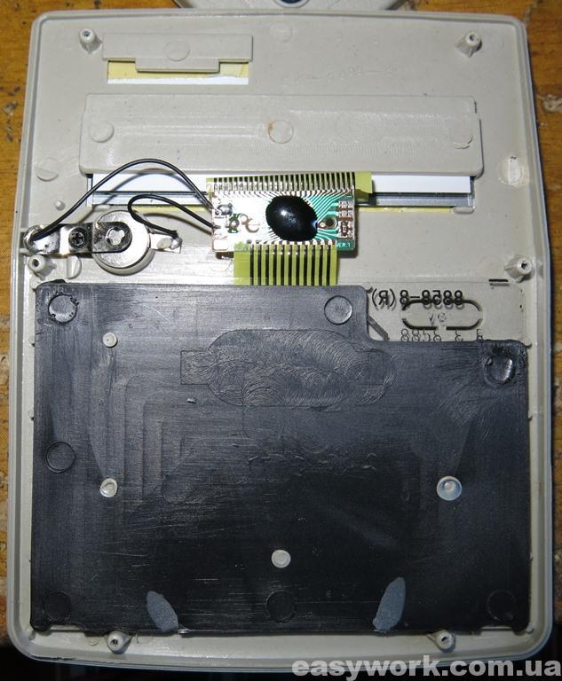 Внутреннее устройство калькулятора KENKO KK-808V