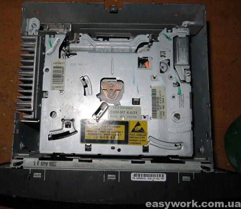 CD-привод магнитолы VW Delta 7L6 035 195D