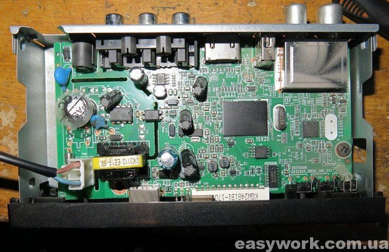 Внутреннее устройство T2 ресивера Alphabox T24