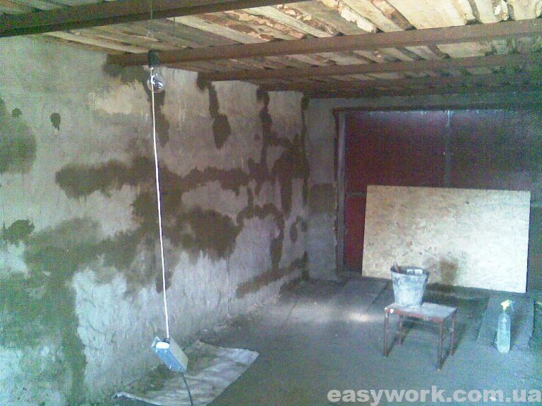 Оштукатуривание стен гаража (фото 1)