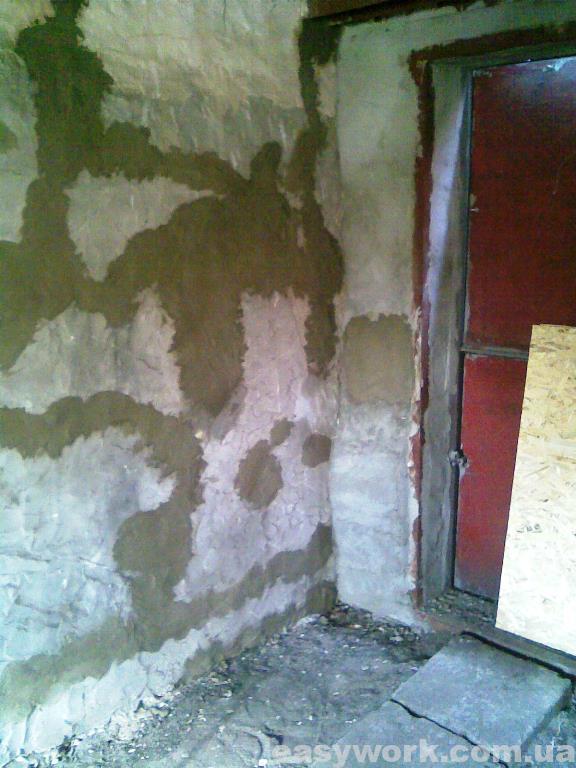 Оштукатуривание стен гаража (у ворот слева)