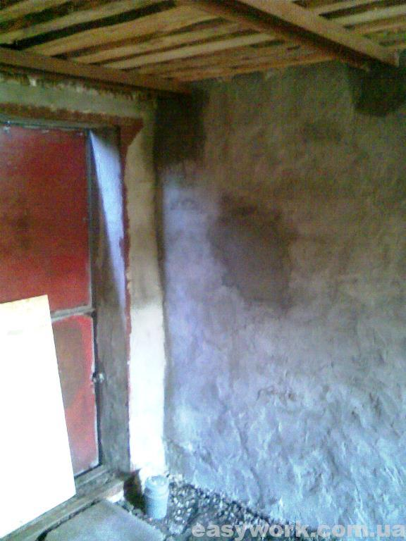Оштукатуривание стен гаража (у ворот справа)