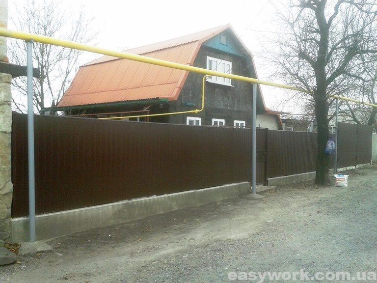 Забор из профнастила (фото 2)