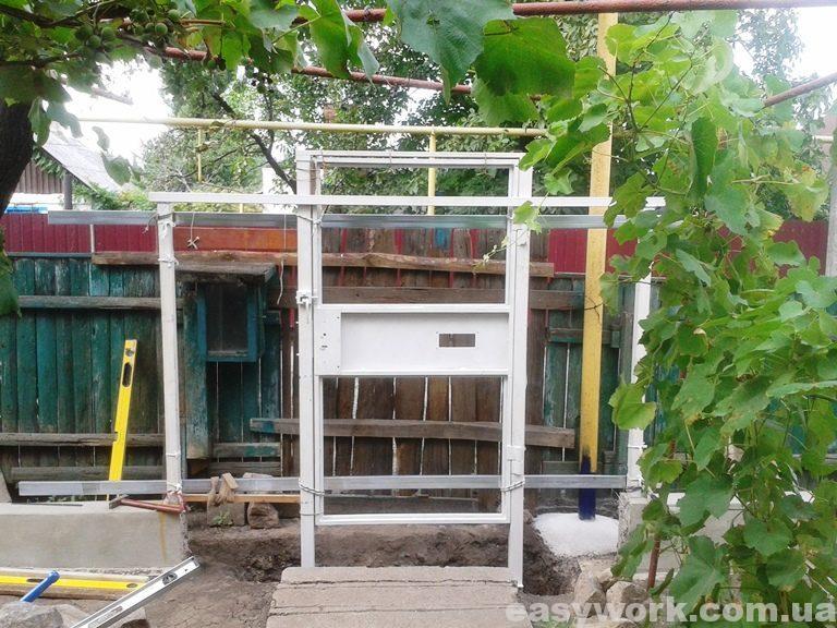 Установка калитки (фото 2)