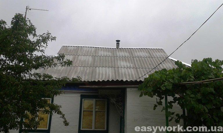 Смонтированная шиферная крыша (фото 1)