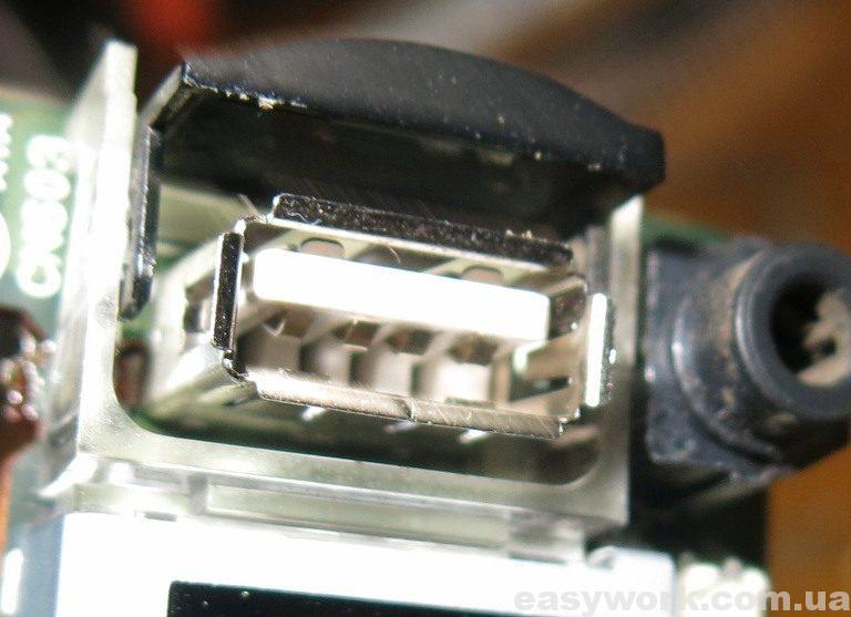 Замененный USB разъем магнитолы JVC KD-R457
