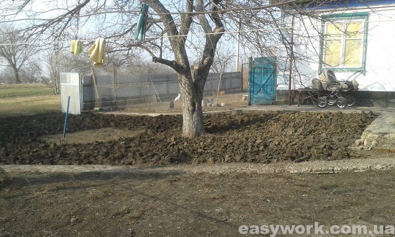Вспашка земли перед посевом газонной травы (фото 3)