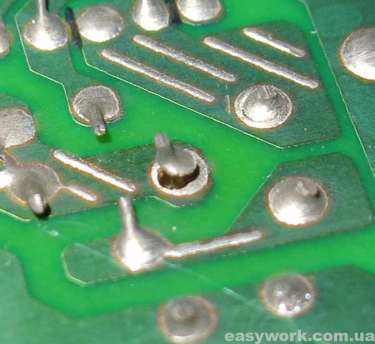 Незапаянная средняя нога транзистора