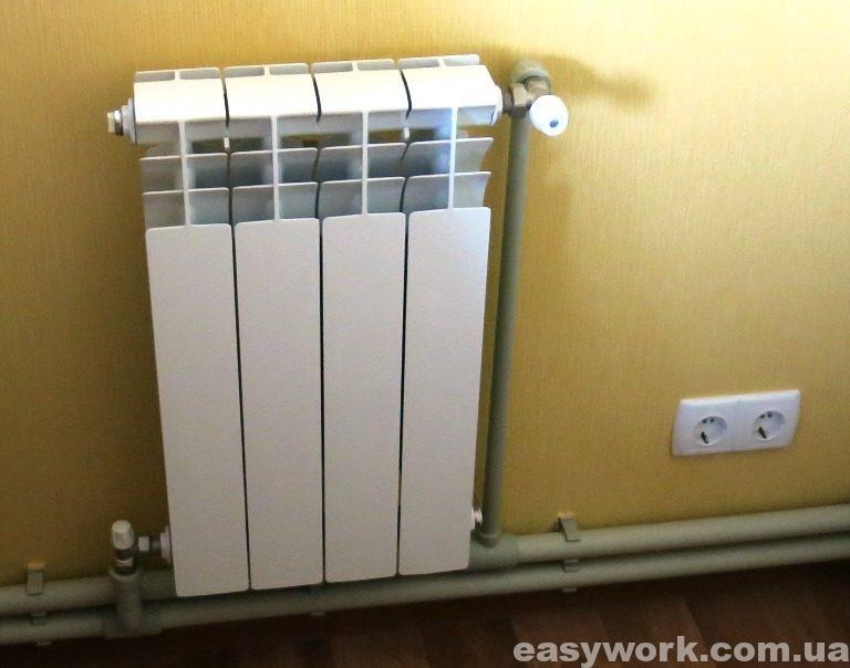 Радиатор установленный в гостиной