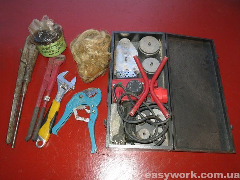 Основной набор инструмента для монтажа отопления