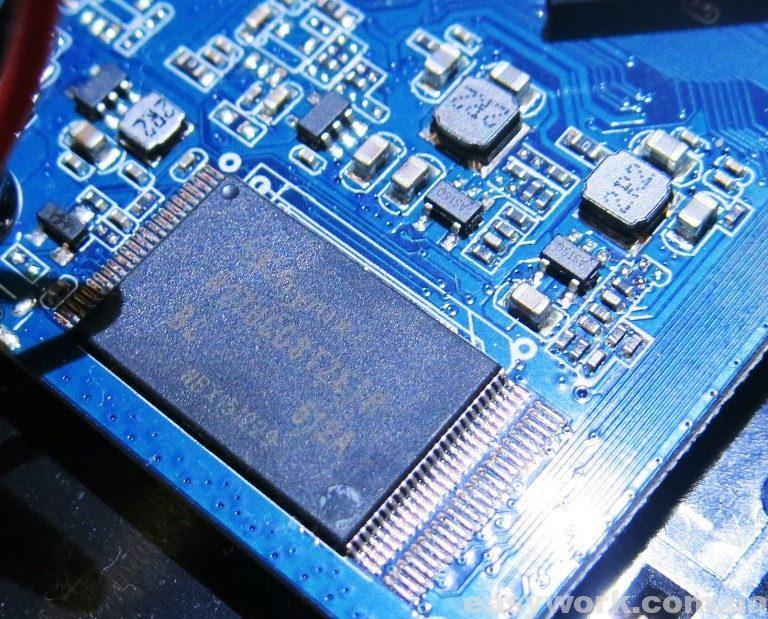 Пропайка микросхемы памяти