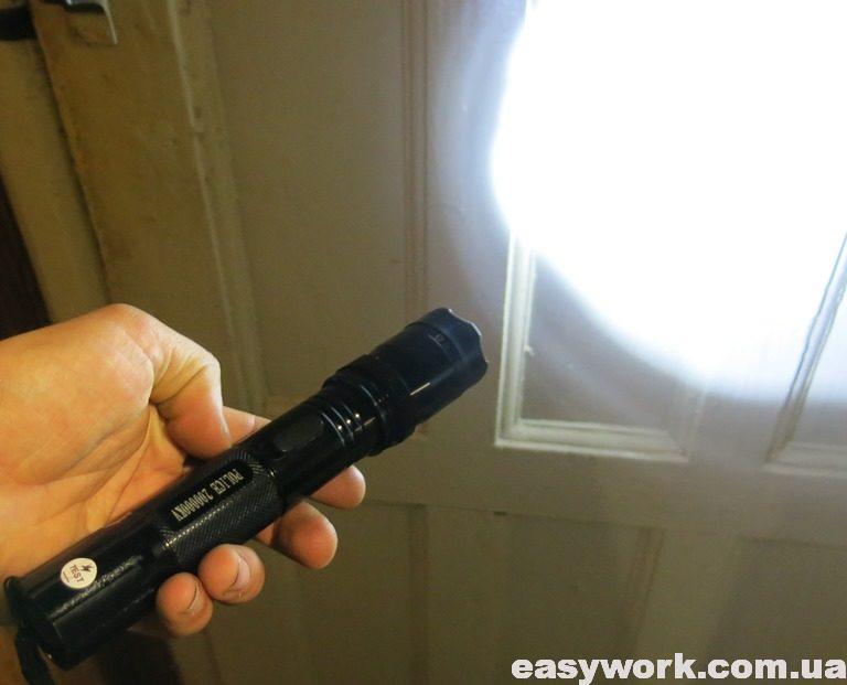 Отремонтированный фонарь POLICE 200000KV 1102
