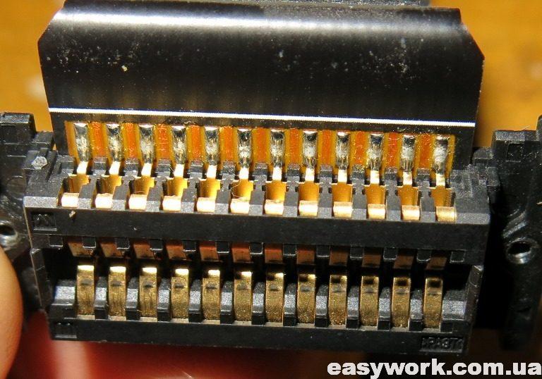 Разъем в магнитоле (фото 2)