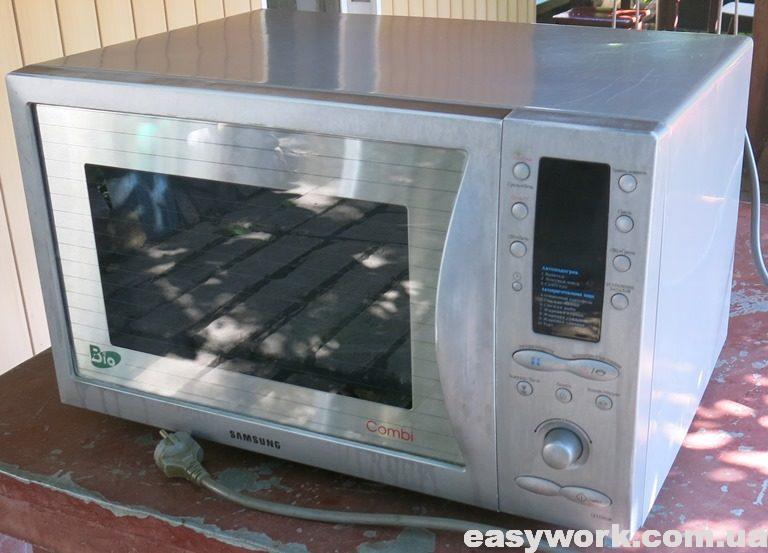 Микроволновая печь Samsung CE115KSR