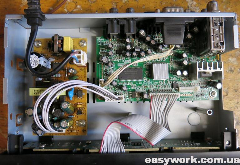 Внутреннее устройство тюнера Q-SAT ST-08