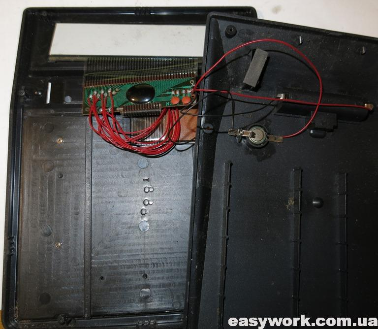 Внутреннее устройство калькулятора CITIZEN SDC-888T