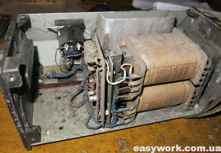 Внутреннее устройство зарядного Электрон 3М (фото 2)