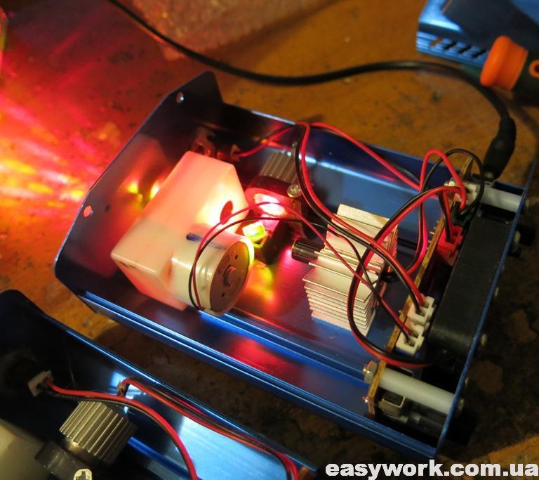 Внутреннее устройство лазерного проектора