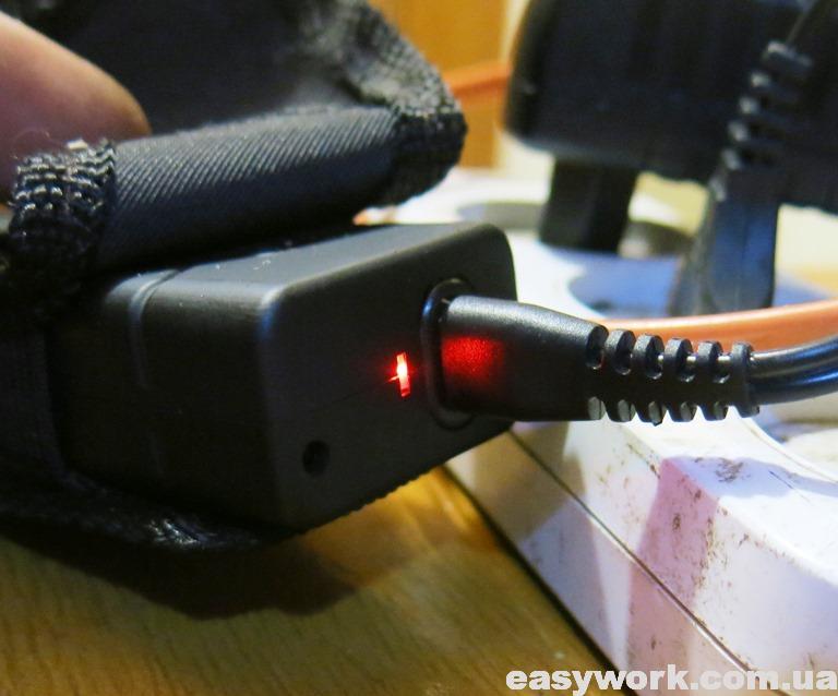 Зарядка электрошокера-фонаря от сети