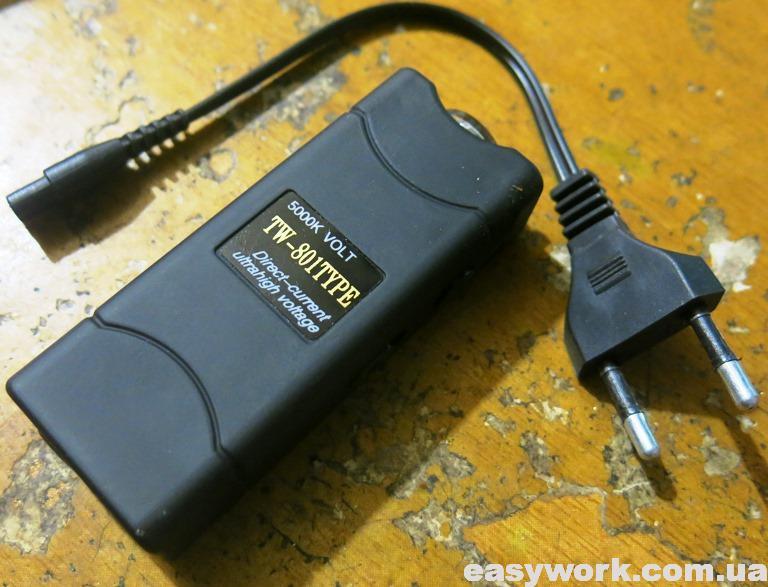 Электрошокер-фонарь TW-801TYPE