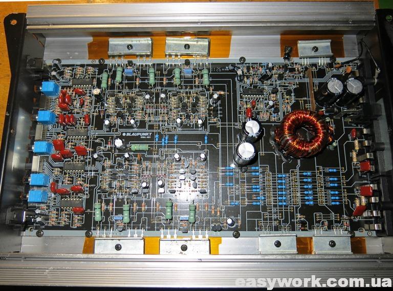 Внутреннее устройство усилителя Blaupunkt EMA 460